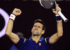 4855412_6_14c1_novak-djokovic-of-serbia-celebrates-after_482ac6ee83f397d383c60a818f8bdc0b[1].jpg