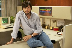 ashton-kutcher-as-steve-jobs[1].jpg