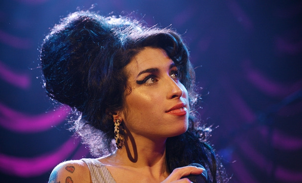 music-amy-winehouse-shepherds-bush-2007[1].jpg